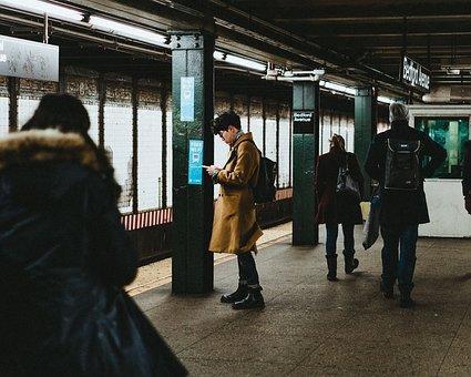 people-waiting